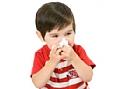 לתינוק יש נזלת בלי חום. האם הוא חולה?